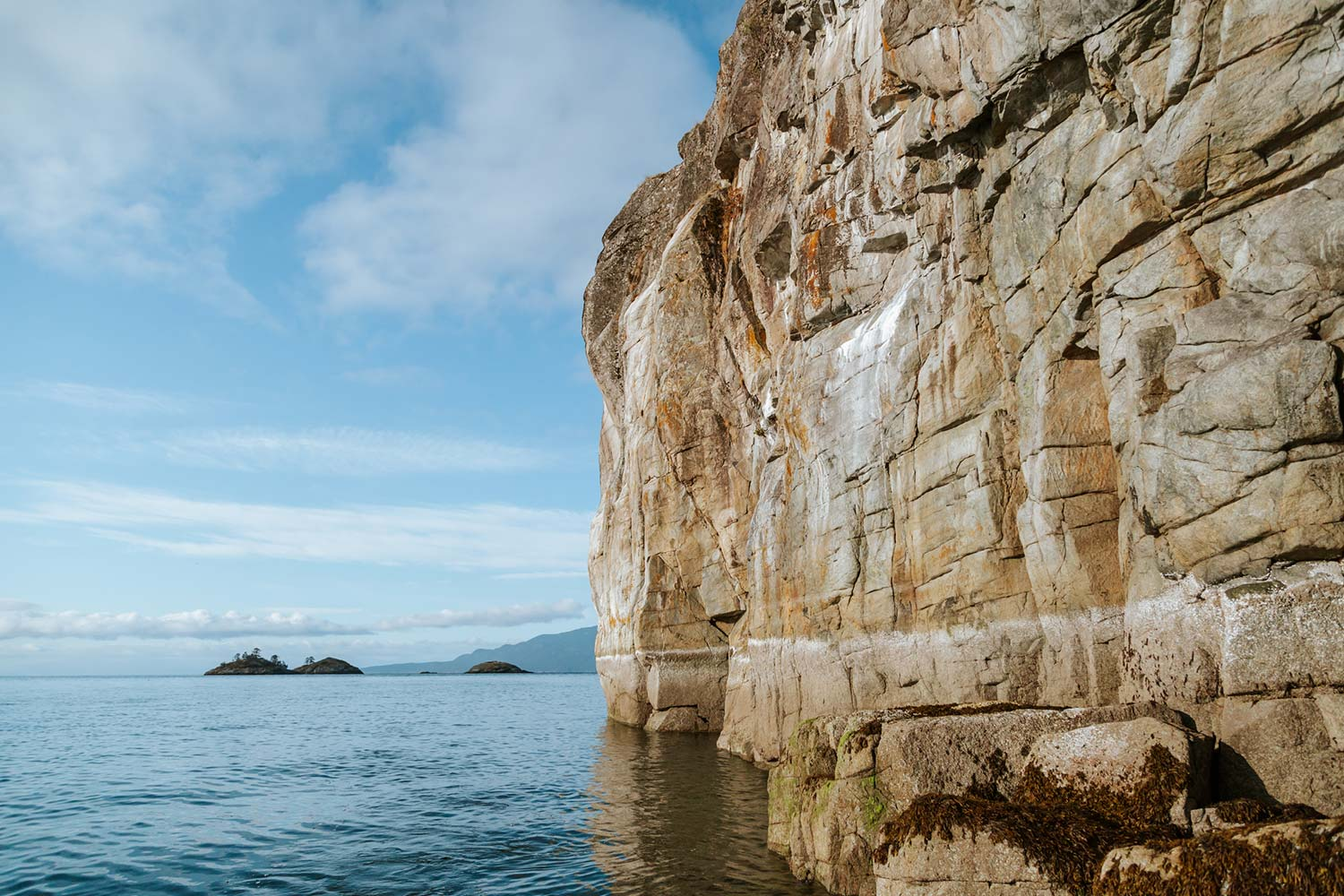 Rocky cliffs and bays can be found on the 60kms of shoreline within the Pender Harbour. Explore by renting a boat or kayak.